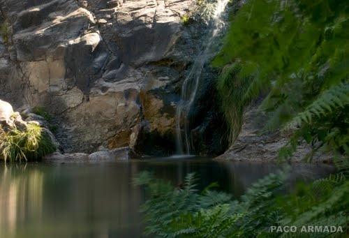 Las pozas de Mougás son un lugar idílico para visitar en las visita a Oia, en Galicia.