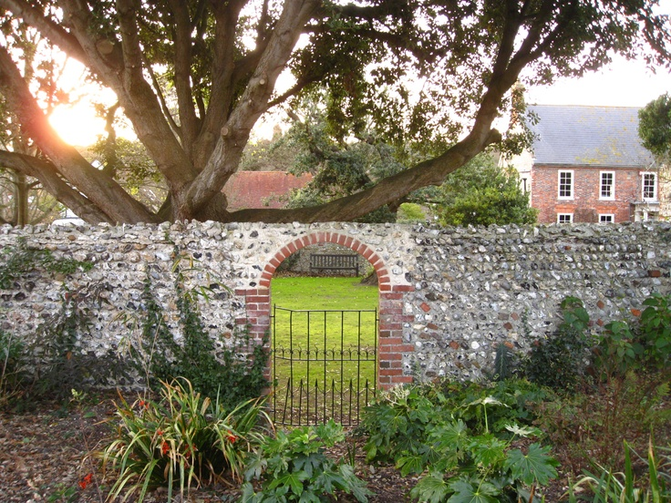 Rudyard Kipling's garden in Rottingdean. Reminds me of sitting reading the Secret GardenThe Secret Garden