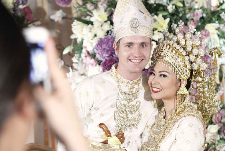 Akad nikah dengan adat Riau - www.thebridedept.com