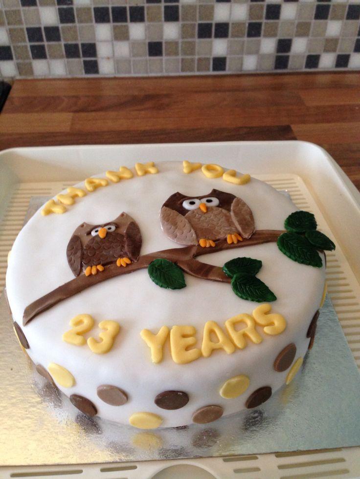Brownies brown owl leaving cake