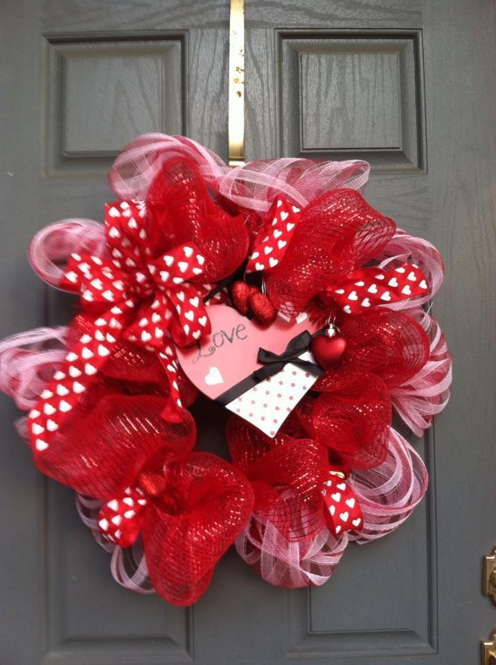 Deco Mesh Valentine Wreath Decoration2 Pinterest