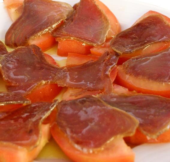 Mojama con tomate. Restaurante Miramar. La Antilla (Lepe - Huelva).