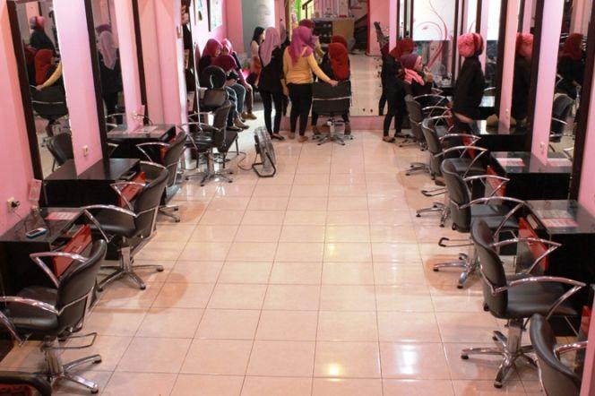 Diserbu Hijabers Karena Salon Amerika Sediakan Ruang Khusus Untuk Wanita