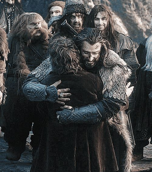 AHHHHH THE FEELS I JUST REMEMBERED THORIN DIED SOMETIMES I FORGET HE DIED AND IT IS WONDERFUL BUT THEN IT SUDDENLY COMES TO ME THAT HE IS DEAD AND THAT IS JUST HORRIBLE