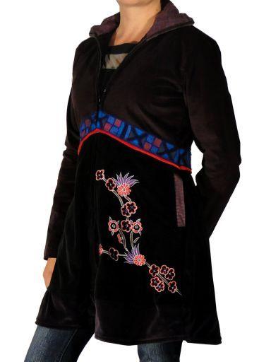 Manteau ethnique Parmita. Des vêtements ethniques chics pour un look différent … Rendez-vous sur notre site www.echoppe-du-monde.com pour découvrir notre e-boutique exotique.