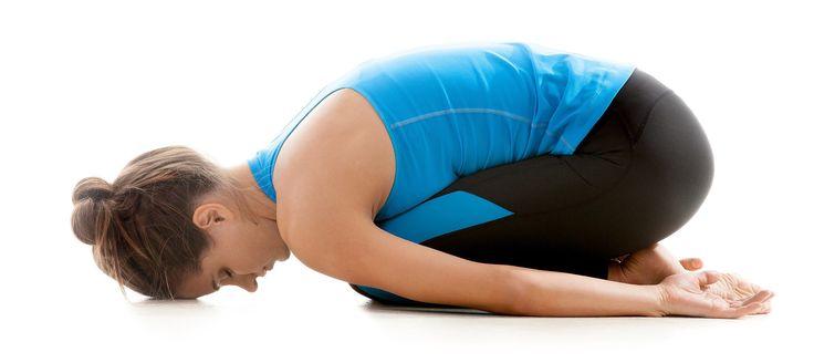 Você não precisa ser profissional para praticar Yoga e melhorar corpo e mente. Copie já essas 15 posições e aprenda as poses básicas da Yoga em casa.