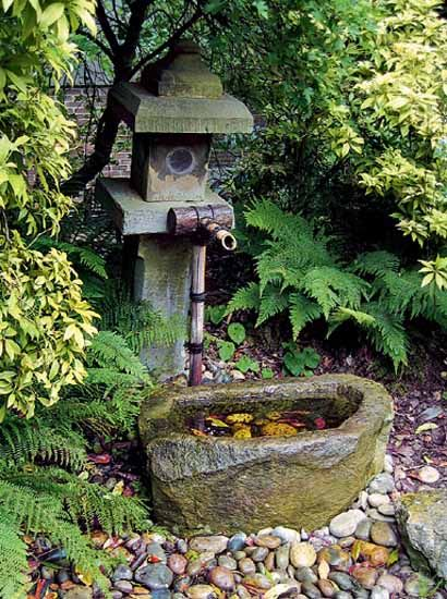 Diy landscaping asian theme bamboo fountains for for Japanese themed garden plants