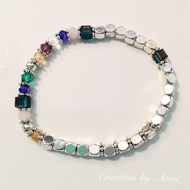 Le chouchou de ma boutique https://www.etsy.com/ca-fr/listing/520953104/bracelets-or-ou-argent-avec-perles