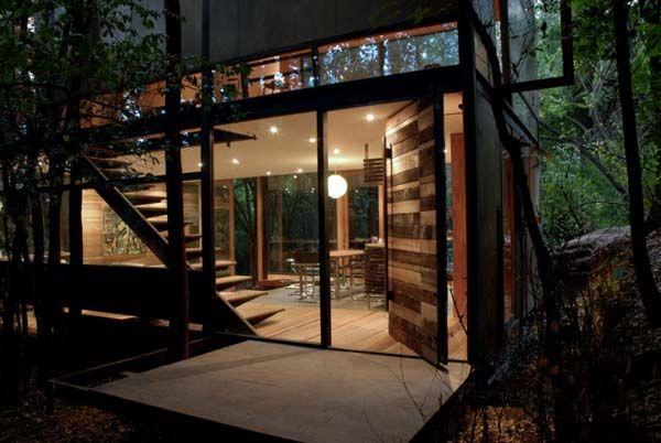 Casa Apolo 11 by Parra + Edwards Architects