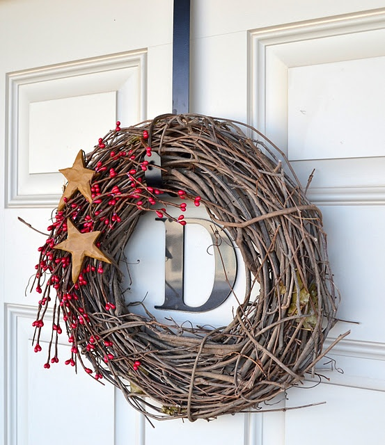 DIY Christmas Wreaths For Front Door   Simple Holiday Twig Wreath   Click  Pick For 24 Easy Christmas Decorating Ideas