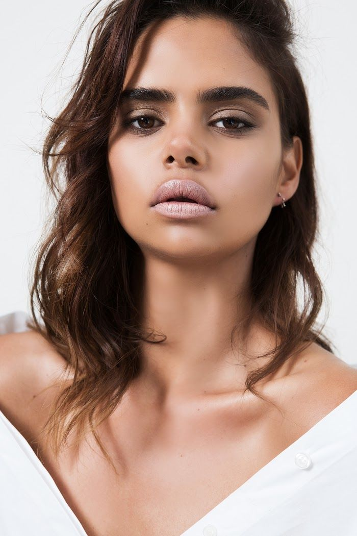 Chic Management: Samantha Harris for Oyster Beauty