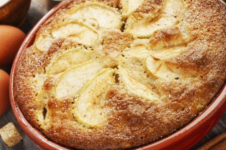 Egyszerű, grízes almás süti, amiből jobb rögtön dupla adagot sütni - Recept   Femina