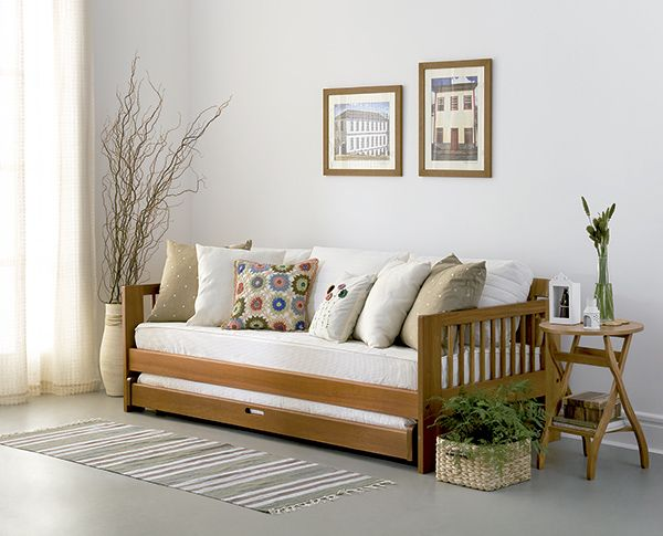 Tok Regional Brasileiro Sala com sofá cama.