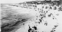 TWA-0006651 © WestPix CROWDS ON COTTESLOE BEACH IN 1905.