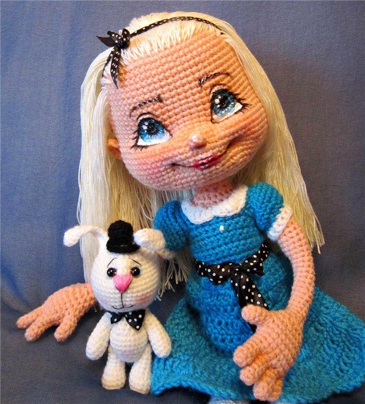 Продается связанная мной полностью вручную кукла Алиса и ее кролик.Алиса ростом ок.44 см., связана на основе описания Ани Садовской (zovutka)из / 1 500р