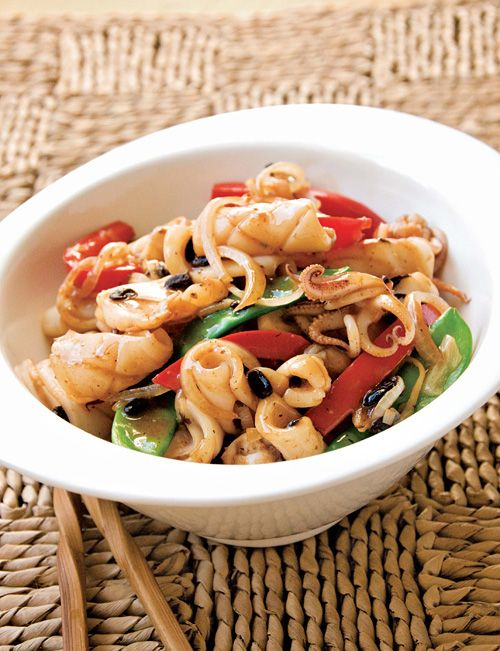 Squid with Black Bean Sauce - squid, red bell peppers, ginger, scallion, black beans, soy sauce, chicken broth #seafood