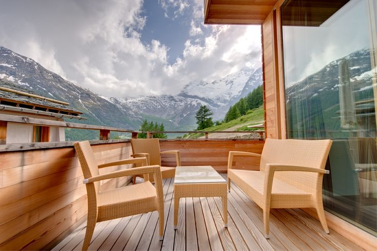 Switzerland, Saas Fee Luxurious Free-Standing Chalet Situated On A Hill By A Wooded Forest Near The Heart Of Saas Fee, Chalet, 4 Bedrooms, 4 Bathrooms, 9 persons, Garden, WiFi  Saas Fee's Chalet Chlo is a new, contemporary chalet designed by a leading Swiss architect, using only the best materials such as Alpine larch wood panelling and Norwegian slate flooring. The lighting is by Artemide. This luxurious free-standing chalet situated on a hill by a wooded forest near the heart of Saas Fee…