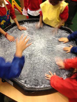 making snow with PVA white glue - tutorial #abcdoes #eyfs #teachingideas