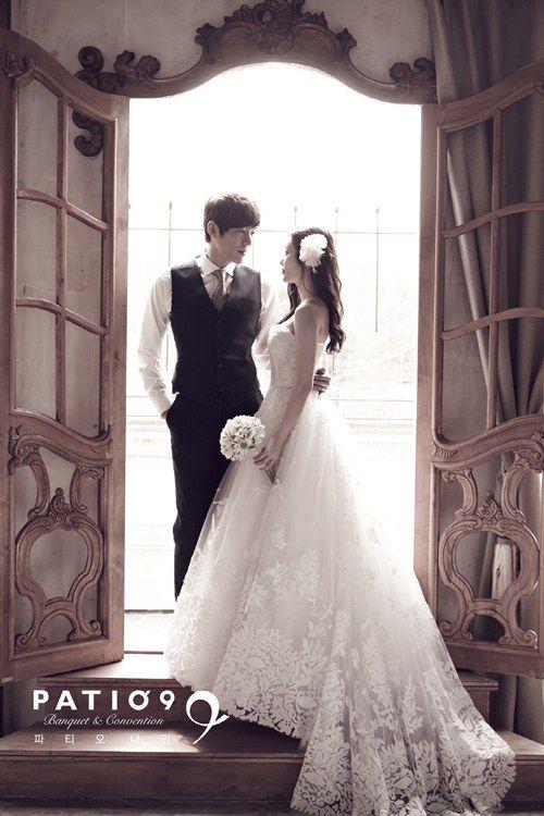 Seo Ji Suk shares an additional pre-wedding photo on his big day