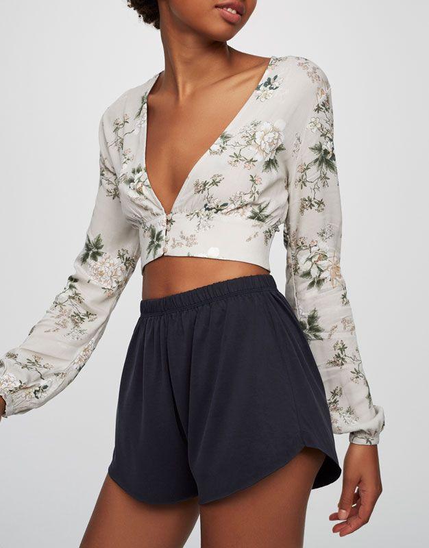 Λουλουδάτο πουκάμισο - Εμπριμέ - Μπλούζες και πουκάμισα - Ενδύματα - Γυναικεία - PULL&BEAR Ελλάδα