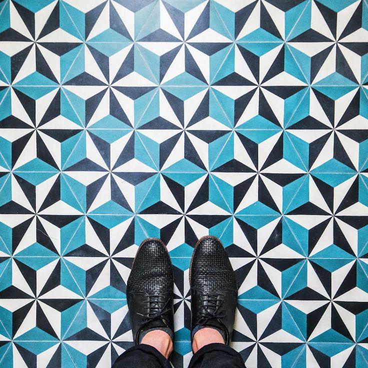 Los suelos geométricos de París vistos por S. Erras.   Matemolivares