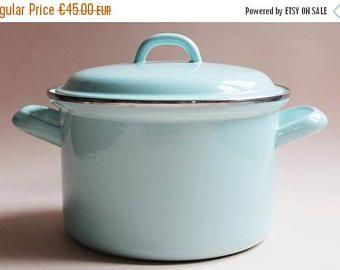 SALE Enamel Cooking Pot. Vintage Enamel Pan. Enamelware. Enamel Cookware. Marmite Emaillée. Pastel Blue Decor. French Country. Vintage Kitch