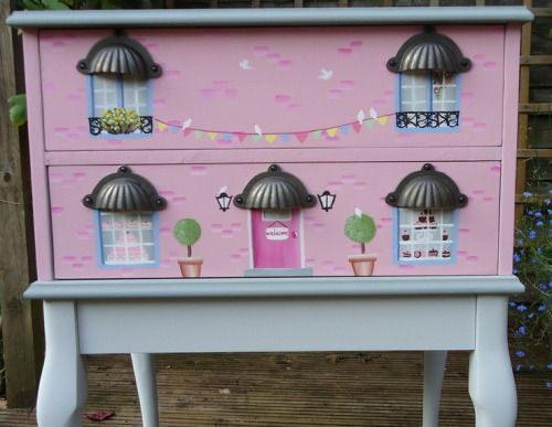 How clever is this? Girls hand painted chest of drawers with a cake shop theme.