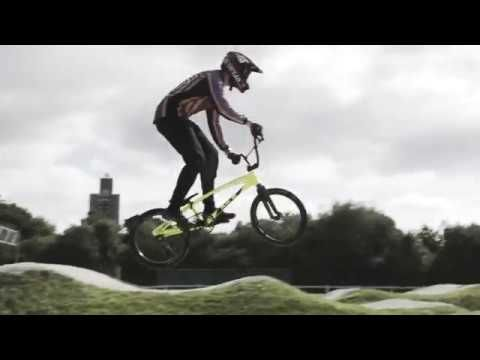 Discover the new Pulsar X video featuring BMX rider Liam Phillips. Pulsar X model: PZ4011X1 http://www.pulsarwatches-europe.com/Watch/PZ4011X1 #Pulsarwatches #PulsarX #lifestyle #pickoftheday #watchoftheday #BMX