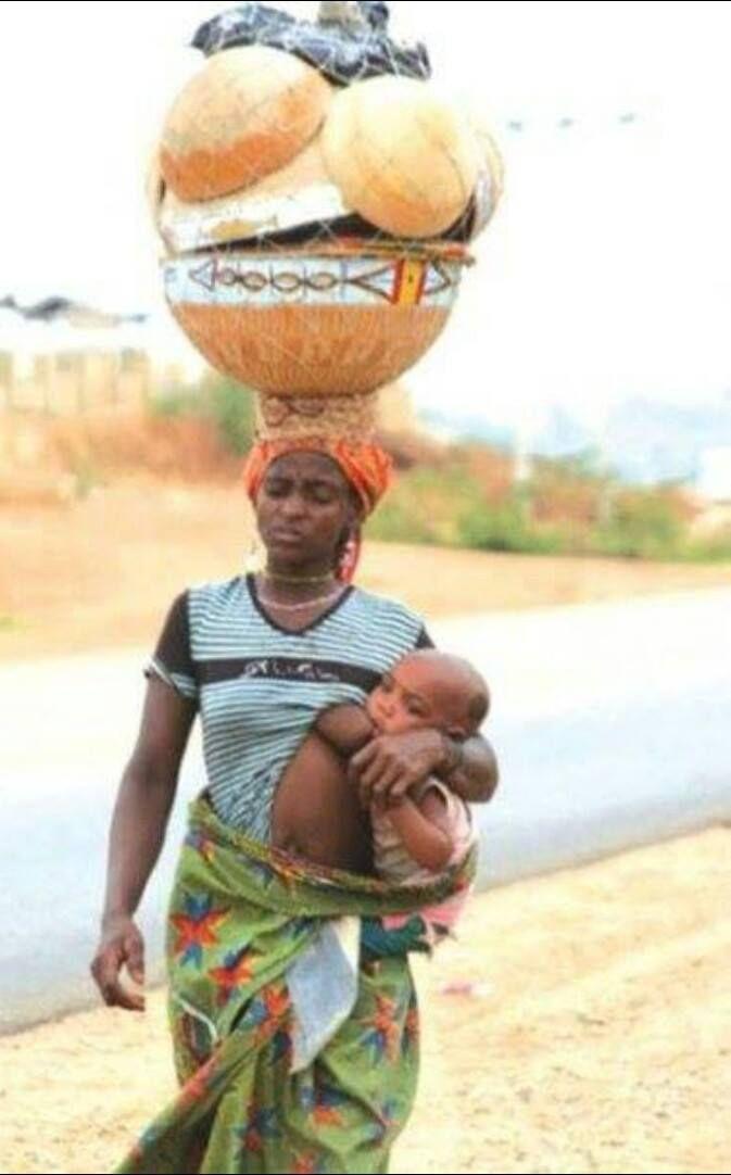 28 Best Celebrities Breastfeeding images | Breastfeeding ...