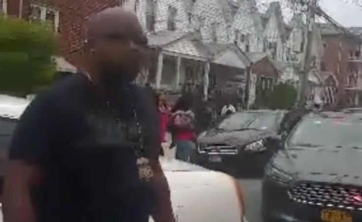 SEE IT: Federal immigration agents forced to call for backup after residents attempt to stop arrest in Queens  Video showed residents butting heads with immigration agents in Queens.