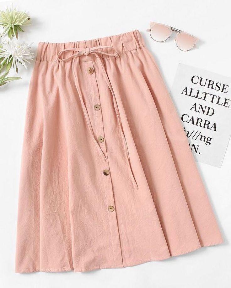 Rock mit Knöpfen und Rüschen an der Taillenfarbe Rosenholz – Damenstyle