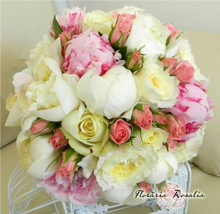 Buchet mireasa bujori trandafiri miniroze nunta Rosalia Iasi