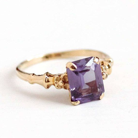 Beautiful Vintage 10k Rosy Yellow Gold Art Deco Era Created Color Change Purple Sapphire Ring The Phenomenal Lab Vintage Sapphire Ring Gold Art Gold Art Deco