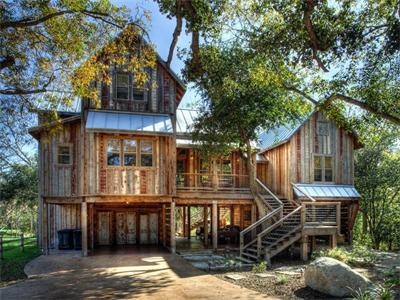 Own that childhood dream of a treehouse on a street called Sleepy Hollow