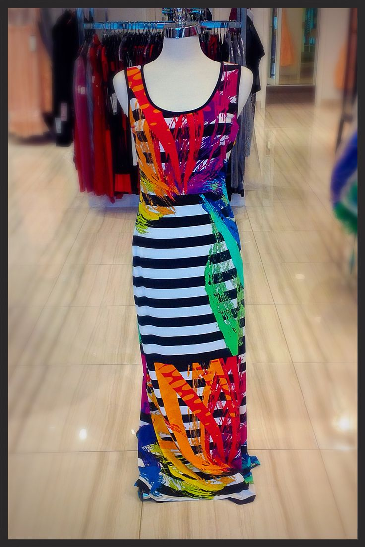 Stunning summer maxi gown! Perfect for any cruise #eastgwillimbury #pickeringtowncenter #summerstyle #cruise #summertime