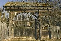 erdély ma - Csíkszéken is elkezdték a székely kapuk felújítását