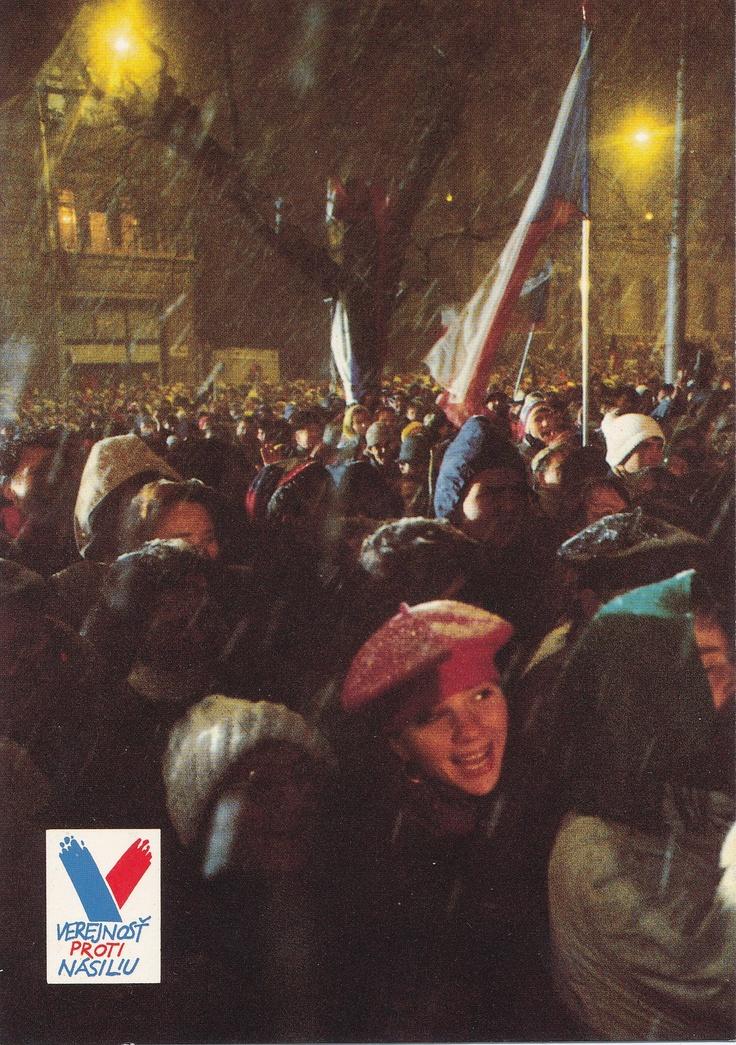 """Námestie SNP - koniec roku 1989 """" Sametová revolúcia """""""