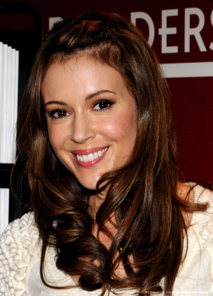 Alyssa Milano Love her hair color