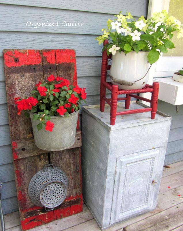 my little chair for the garden       Wagon Board Backdrop for Galvanized Pail Planter www.organizedclutterqueen.blogspot.com