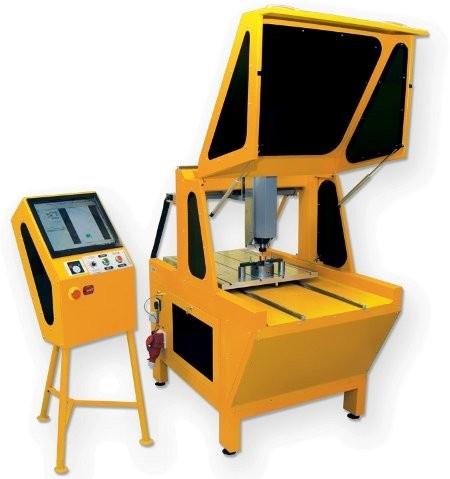 Obrabiarka typu HAVOK to nowoczesna maszyna pracująca w technologii servo napędów. Przeznaczone są dla branż formierskich do frezowania w materiałach takich jak: aluminium, plexi, drewno, MDF, tworzywa sztuczne, metale oraz stale. Dzięki konstrukcji z ruchomym stołem wytrzymuje wyższe obciążenia, niż maszyny pracujące w układzie z ruchomą bramą.   Więcej na www.obrabiarki-cnc.pl