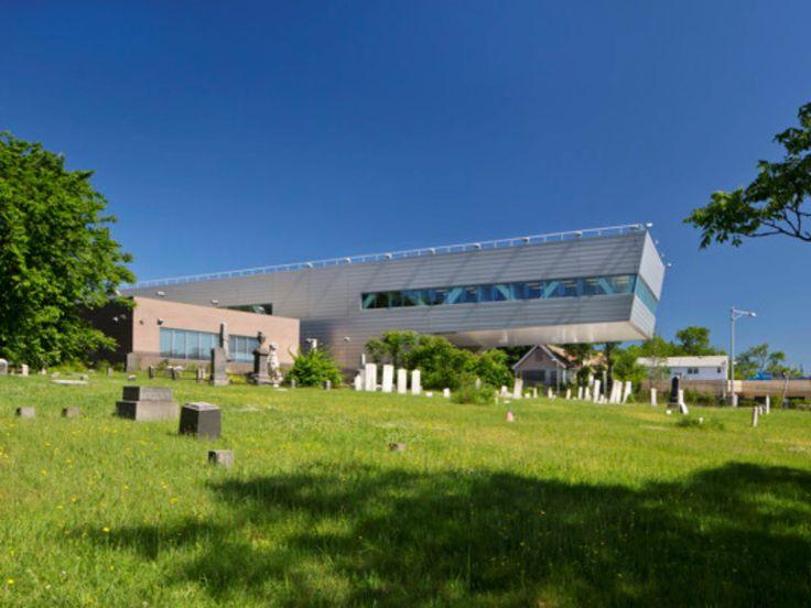 14-121st-Police-Precinct-Station-House-by-Rafael-Vinoly-Architects