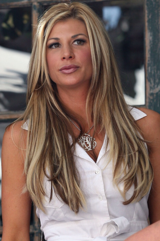 Alexis Bellino hair....low lights. I don't like them towards the ends of her hair, but the roots look good.