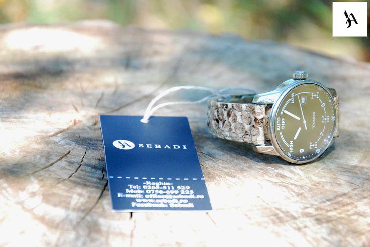 Curea pentru ceas din piele naturala 4 -piele de sarpe (materialul clientului) -captusit cu piele crem -cusut cu ata crem  PRET: 50 lei