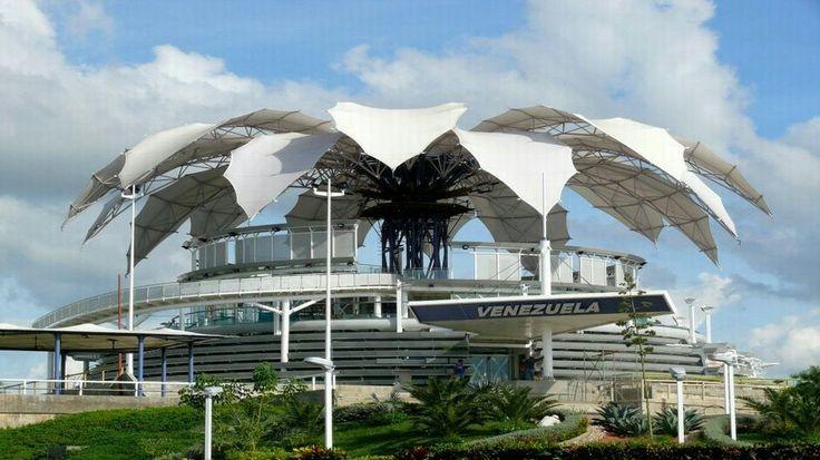 """La """"Flor de Venezuela"""",  obra del arquitecto venzolano, Fruto Vivas, fue declarada este viernes como Patrimonio Cultural de Venezuela, por medio del decreto número 201, publicado en la Gaceta Oficial 40.197 de fecha 27 de junio."""