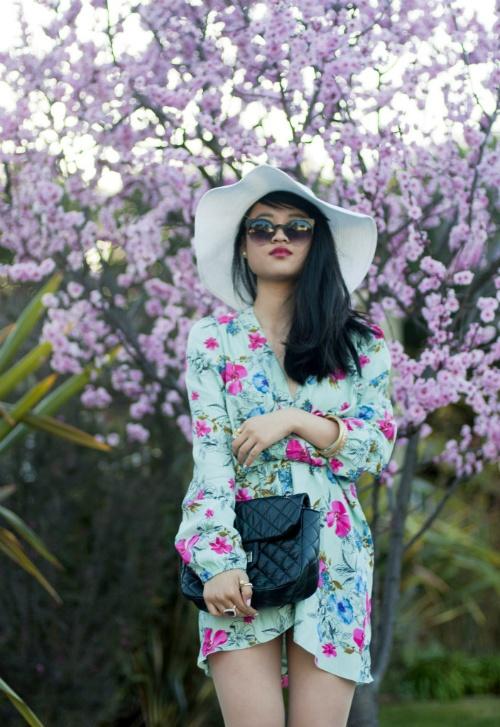 floralsPoses Hats, Photos, Floral Appreciation, Blends Style, Kimonos, Floppy Hats 18, Floral Central, Hats Women