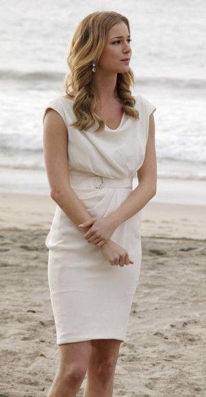 Emily's white dress at Amanda's beach wedding on Revenge. Outfit Details: http://wornontv.net/11249/ #Revenge #ABC