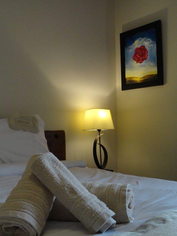 Λεπτομέρεια από δωμάτιο του Hotel Rodovoli. (Konitsa, Epirus, Greece).