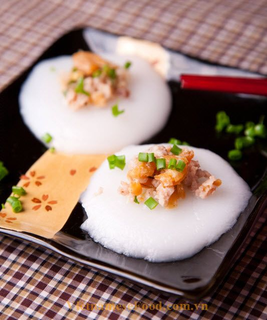 Vietnamese Food: Steamed Rice Cakes with Shrimp and Pork Rinds Reci...