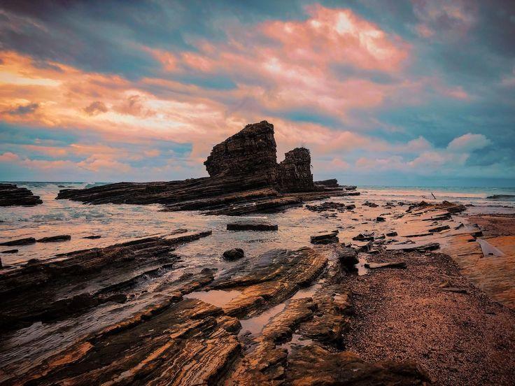 Magnific Rock - Popoyo Nicaragua [OC] [3264x2448] http://ift.tt/2D2enQS