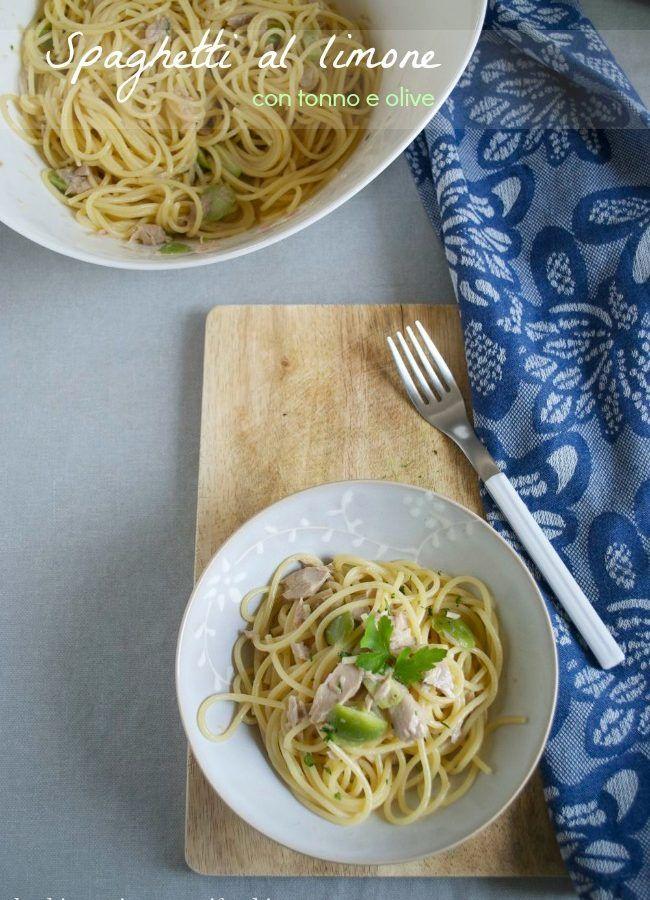 Spaghetti veloci al limone con tonno e olive verdi